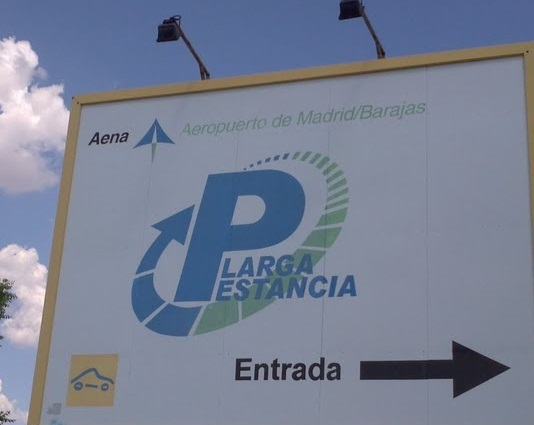 Cartel parking larga estancia aena