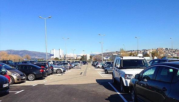 parking officiel a roport de nice c te d 39 azur p9 economique parkvia. Black Bedroom Furniture Sets. Home Design Ideas