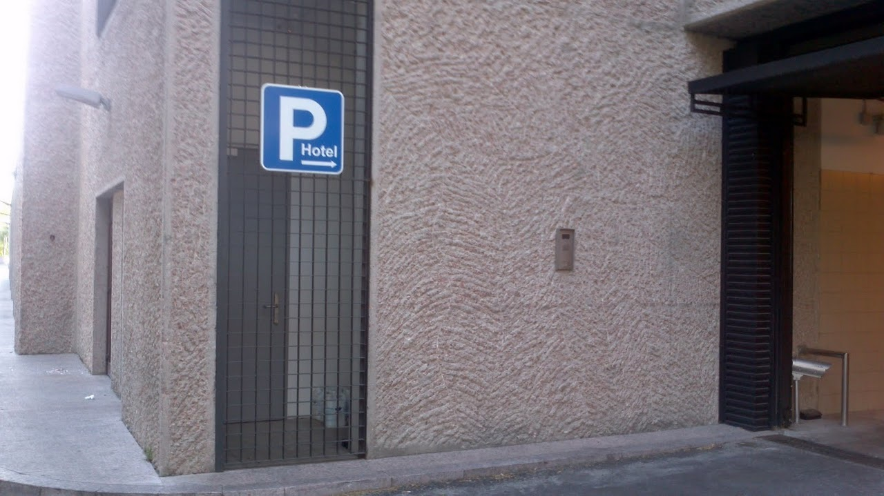 parking aeropuerto barajas hilton